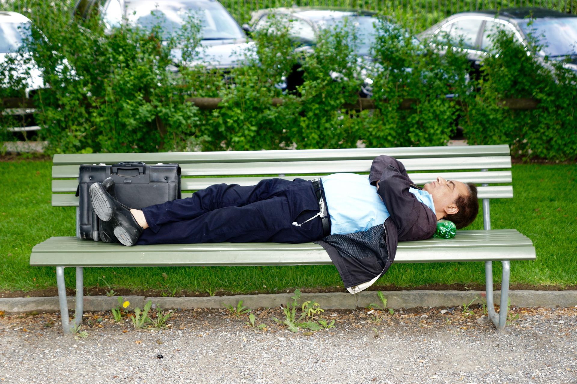 (快眠!)耳栓を使って寝るようにしたら捗った話 – Moldexメテオ レビュー
